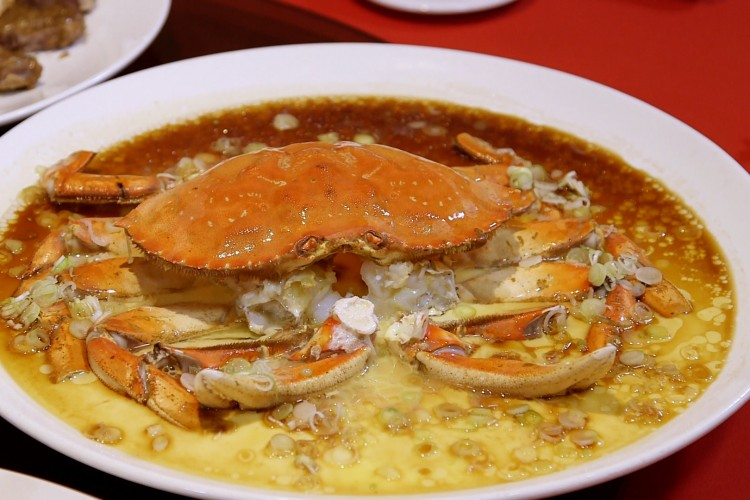 Steamed dungeness crab on egg custard