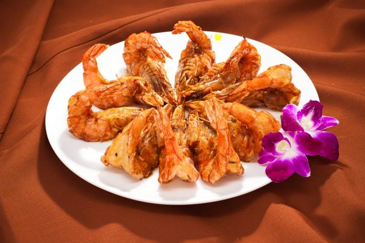 Flash fried soy sauce shrimp